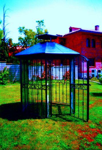Forja mastral mahor accesorios forja artistica for Pajarera jardin